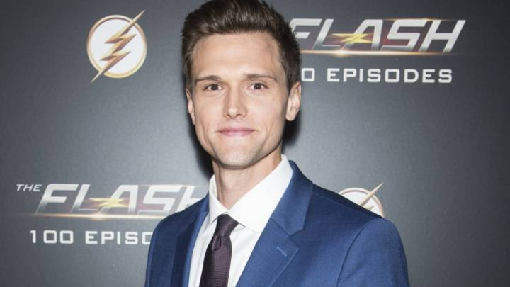 "Actor que interpreta a Ralph Dibny fue despedido de ""The flash"" por tuits racistas y misóginos"